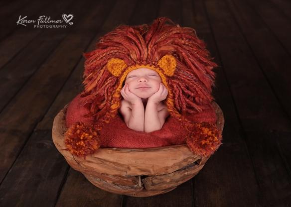 22_karenfullmerphotography_newborn_lion_hat