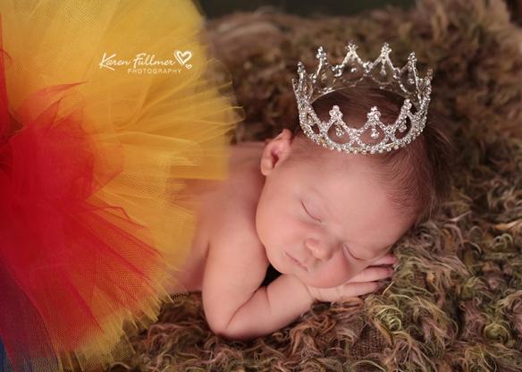 5_karenfullmerphotography_newborn_snow_white